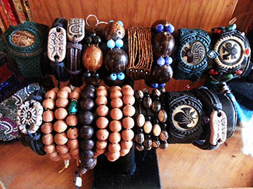 Peruvian Jewelry, Seads, Bracelets, Carved, Jewelry, Eye on the Mountain